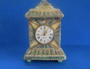 staande klok kerfsnee aardewerk